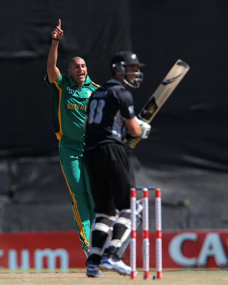 PAARL, SOUTH AFRICA - JANUARY 19: Rory Kleinveldt of South Africa appeals during the 1st One Day International match between South Africa and New Zealand at Boland Park on January 19, 2013 in Paarl, South Africa.  (Photo by Carl Fourie/Gallo Images/Getty Images)