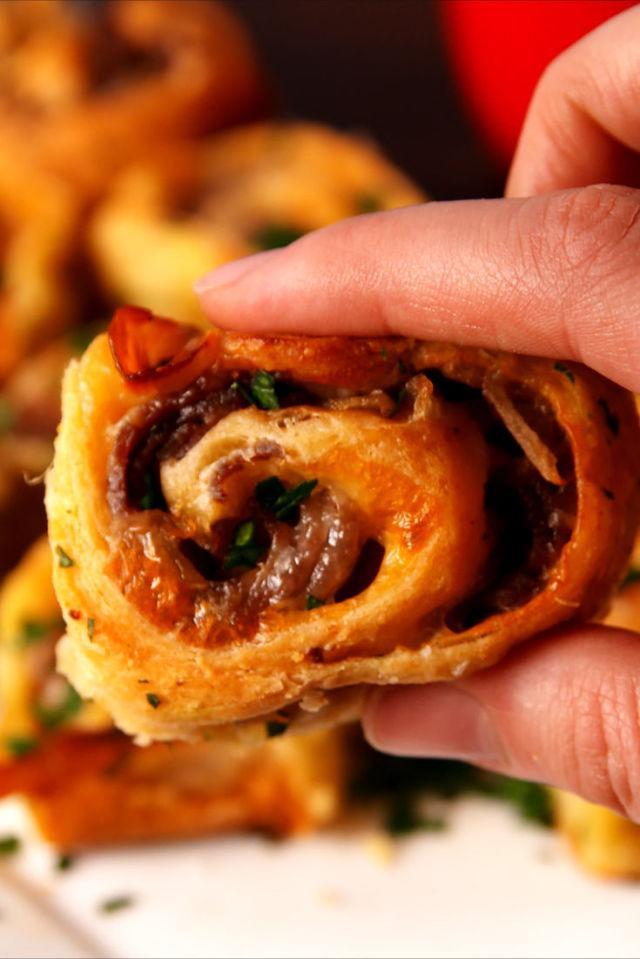 """<p><span>This is how we roll.</span></p><p>Get the recipe from<a rel=""""nofollow"""" href=""""http://www.delish.com/cooking/recipe-ideas/recipes/a52278/french-dip-roll-ups-recipe/"""">Delish</a>.</p>"""