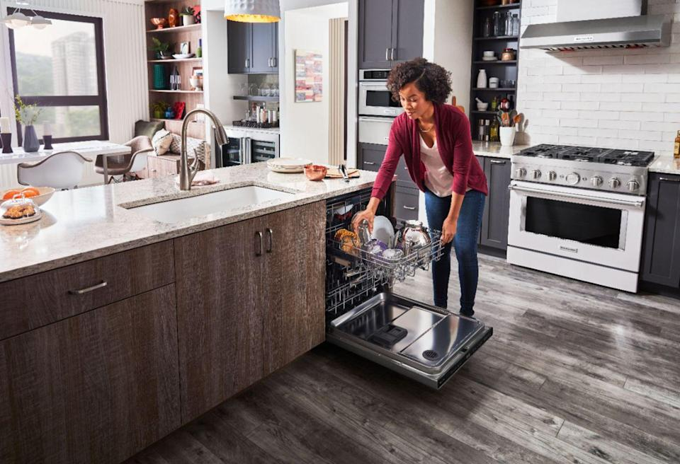 """<p>Officially, Best Buy is offering <a href=""""https://go.redirectingat.com?id=74968X1596630&url=https%3A%2F%2Fwww.bestbuy.com%2Fsite%2Fhome-appliances%2Fmajor-appliances-sale-event%2Fpcmcat321600050000.c%3Fid%3Dpcmcat321600050000&sref=https%3A%2F%2Fwww.delish.com%2Ffood-news%2Fg33002409%2Fbest-4th-of-july-sales-2020%2F"""" rel=""""nofollow noopener"""" target=""""_blank"""" data-ylk=""""slk:40% off select appliances"""" class=""""link rapid-noclick-resp"""">40% off select appliances</a>—but you can save even more than that when shopping for appliances from beloved kitchen brand KitchenAid. The brand's <a href=""""https://go.redirectingat.com?id=74968X1596630&url=https%3A%2F%2Fwww.bestbuy.com%2Fsite%2Fkitchenaid-top-control-built-in-dishwasher-with-stainless-steel-tub-freeflex-third-rack-44dba-stainless-steel-with-printshield-finish%2F6398209.p%3FskuId%3D6398209&sref=https%3A%2F%2Fwww.delish.com%2Ffood-news%2Fg33002409%2Fbest-4th-of-july-sales-2020%2F"""" rel=""""nofollow noopener"""" target=""""_blank"""" data-ylk=""""slk:Built-In Stainless Steel Dishwasher"""" class=""""link rapid-noclick-resp"""">Built-In Stainless Steel Dishwasher</a> and <a href=""""https://go.redirectingat.com?id=74968X1596630&url=https%3A%2F%2Fwww.bestbuy.com%2Fsite%2Fkitchenaid-1-9-cu-ft-convection-over-the-range-microwave-black-stainless-steel%2F5463700.p%3FskuId%3D5463700&sref=https%3A%2F%2Fwww.delish.com%2Ffood-news%2Fg33002409%2Fbest-4th-of-july-sales-2020%2F"""" rel=""""nofollow noopener"""" target=""""_blank"""" data-ylk=""""slk:Convection Over-the-Range Microwave"""" class=""""link rapid-noclick-resp"""">Convection Over-the-Range Microwave</a> are going for more than $250 below market value. But Best Buy really outdid themselves by taking $540 off of <a href=""""https://go.redirectingat.com?id=74968X1596630&url=https%3A%2F%2Fwww.bestbuy.com%2Fsite%2Fkitchenaid-27-built-in-double-electric-convection-wall-oven-stainless-steel%2F7315054.p%3FskuId%3D7315054&sref=https%3A%2F%2Fwww.delish.com%2Ffood-news%2Fg33002409%2Fbest-4th-of-july-sales-2020%2F"""" rel=""""nofollow noopener"""" target="""