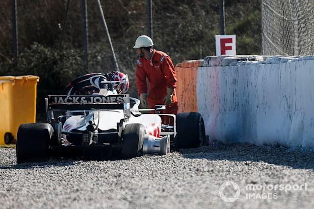 "Kevin Magnussen, Haas F1 Team VF-20, accidentado <span class=""copyright"">Zak Mauger / Motorsport Images</span>"