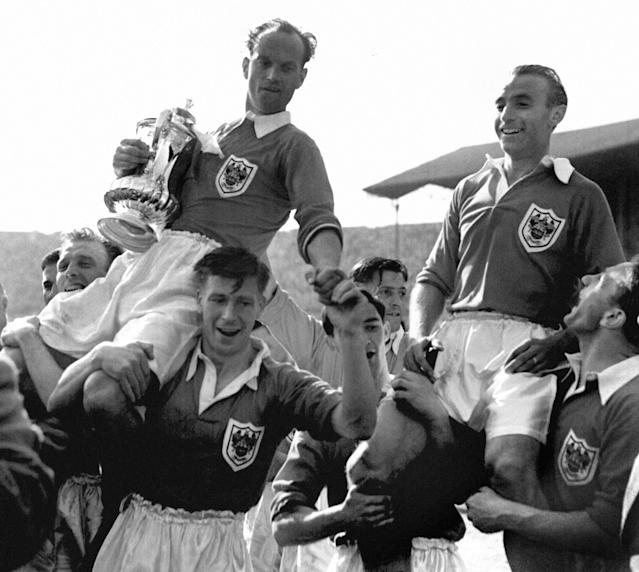 <p>1953: Blackpool 4 Bolton 3. Bolton led the FA Cup final 3-1 with 22 minutes to go. Enter the two Stans, Matthews and Mortensen. The former jinked and dribbled his way into immortality by inspiring an amazing fightback, while the latter completed his hat-trick before Bill Perry capped it with the winner two minutes into injury time. Mortensen scored three goals and Perry the winner but it's known as the 'Matthews Final'… </p>