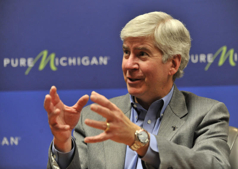 Mich. Gov. Snyder says fed health exchange looms