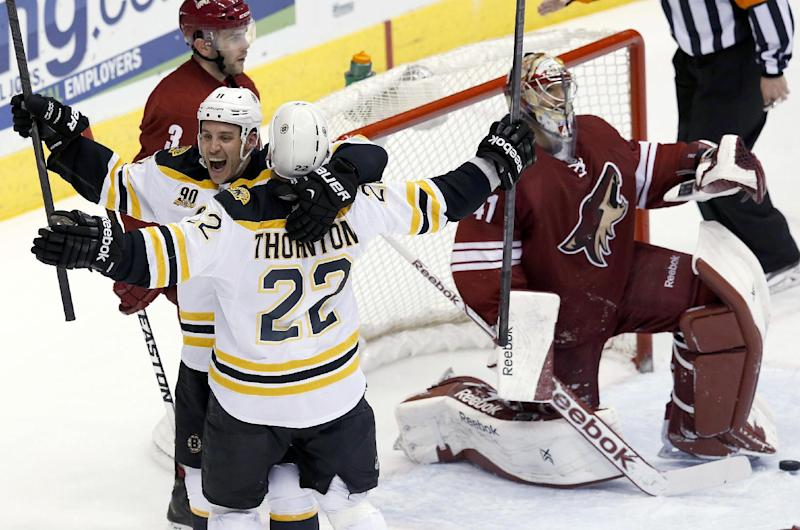 Bruins rally in 3rd period, win 12th in a row