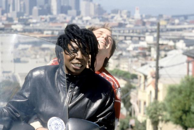 Goldthwait and Whoopi Goldberg in <em>Burglar</em>. (Photo: Warner Bros./courtesy Everett Collection)