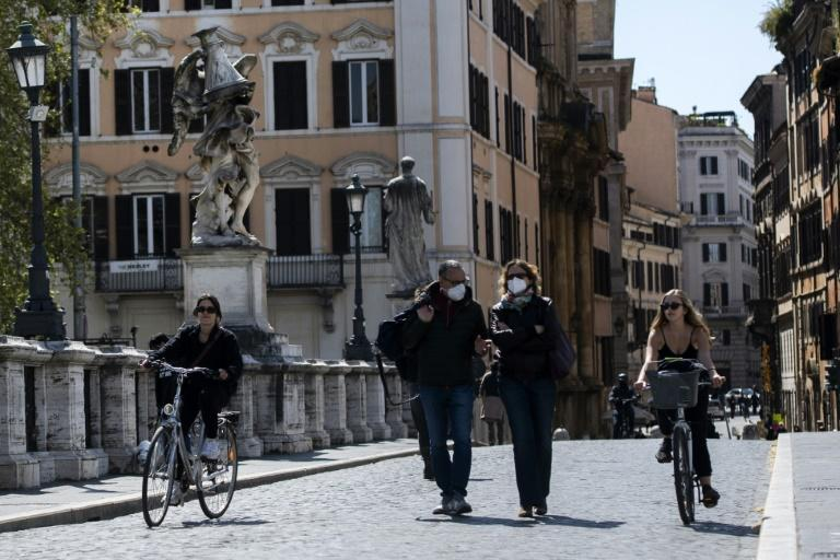Cyclists are reclaiming the streets of Rome emptied by Covid-19 retrictions