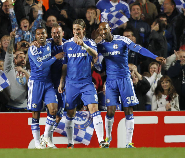 Chelsea's Spanish Fernando Torres (C) celebrates scoring his goal during a UEFA Champions League Group E football match between Chelsea and KRC Genk at Stamford Bridge in London on October 19, 2011. AFP PHOTO / IAN KINGTON (Photo credit should read IAN KINGTON/AFP/Getty Images)
