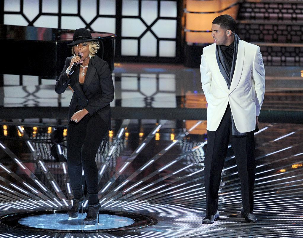 """WORST — Mary J. Blige Ruins Drake: Can someone tell Mary J. Blige that someone being """"fancy"""" is not a life or death situation? Because there is really no need to wail out the word repeatedly like you're in some overwrought funeral scene in an absurd musical. <a href=""""http://www.televisionwithoutpity.com/show/award_shows/mtv_vmas_best_and_worst_moment.php?__source=tw