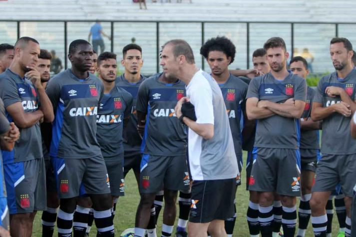 Embalado com Milton, Vasco decide vaga para final do Carioca com o Flu