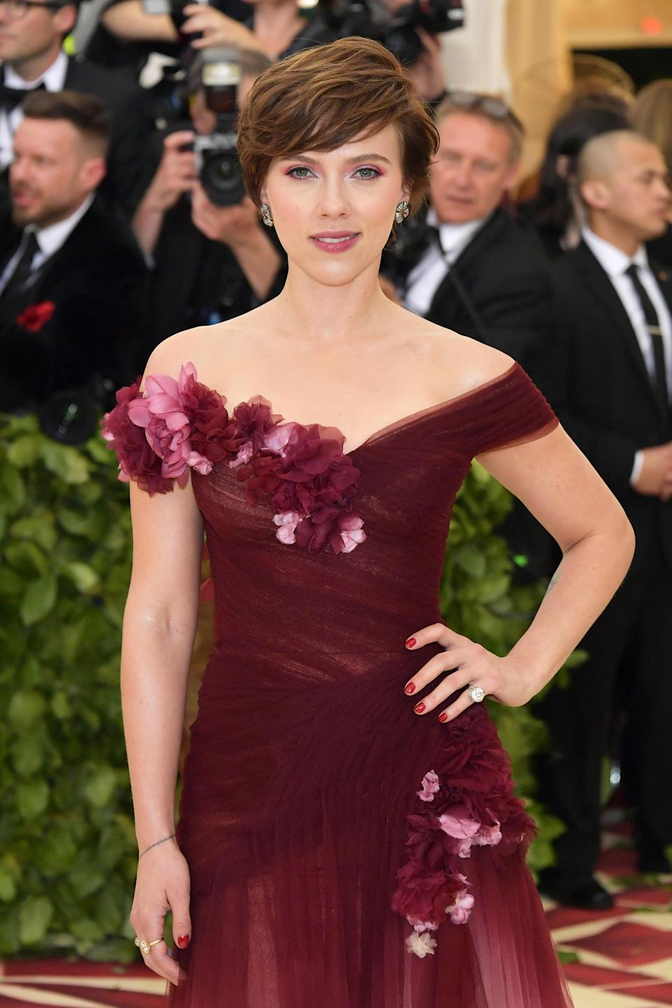 Johansson's Marchesa dress raised eyebrows. (Photo: Neilson Barnard/Getty Images)