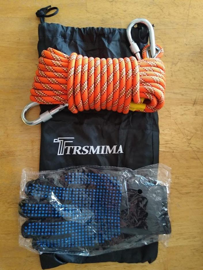 A climbing rope and gloves with the brand Trsmima appears to have come from a Chinese company that has identical glowing reviews on its Amazon page.