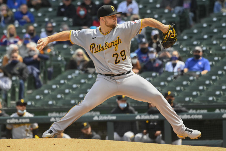 Pittsburgh Pirates starting pitcher Wil Crowe (29) delivers during the first inning of a baseball game against the Chicago Cubs, Saturday, May 8, 2021, in Chicago. (AP Photo/Matt Marton)