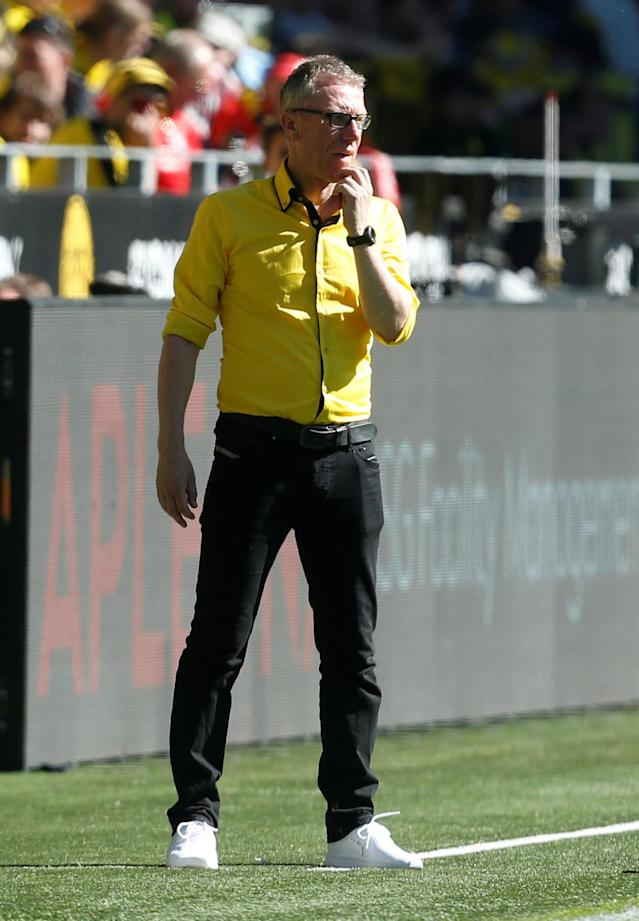 Soccer Football - Bundesliga - Borussia Dortmund vs 1.FSV Mainz 05 - Signal Iduna Park, Dortmund, Germany - May 5, 2018 Borussia Dortmund coach Peter Stoeger REUTERS/Leon Kuegeler DFL RULES TO LIMIT THE ONLINE USAGE DURING MATCH TIME TO 15 PICTURES PER GAME. IMAGE SEQUENCES TO SIMULATE VIDEO IS NOT ALLOWED AT ANY TIME. FOR FURTHER QUERIES PLEASE CONTACT DFL DIRECTLY AT + 49 69 650050