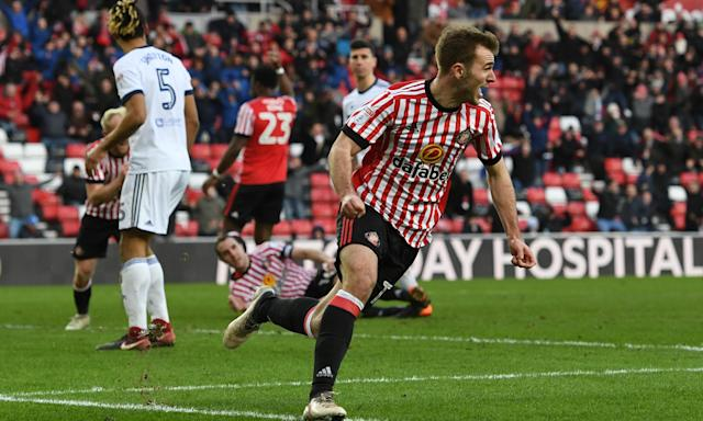 Callum McManaman scores Sunderland's dramatic late equaliser against Middlesbrough.