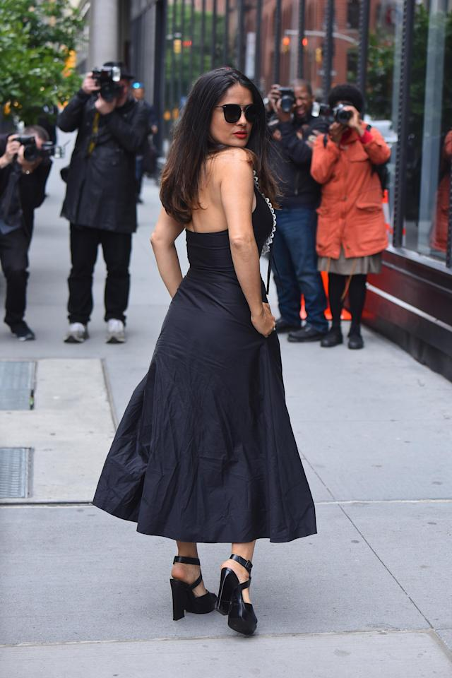 Salma Hayek's renowned beauty seems to benefit from things she doesn't do in her beauty routine, according to a recent interview. (Photo: Getty Images)