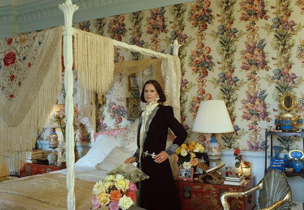 "<p>Socialite, fashion designer, and artist <a href=""https://www.elledecor.com/celebrity-style/tips/a5789/gloria-vanderbilt-art/"" target=""_blank"">Gloria Vanderbilt</a> has passed away at the age of 95. According to <a href=""https://www.cnn.com/2019/06/17/entertainment/gloria-vanderbilt-dies/index.html"">CNN</a>, Vanderbilt died with family and friends by her side. Her son, CNN's Anderson Cooper, remembered his mother in a statement this morning. ""Gloria Vanderbilt was an extraordinary woman, who loved life, and lived it on her own terms,"" Cooper said. ""She was a painter, a writer and designer but also a remarkable mother, wife, and friend. She was 95 years old, but ask anyone close to her, and they'd tell you: She was the youngest person they knew—the coolest and most modern.""</p><p>Over the years, Vanderbilt's fascinating, privileged and often challenging life, including the loss of her son Carter at the age of 23, was widely chronicled.  She was the great-great-granddaughter of railroad and shipping magnate Cornelius Vanderbilt and the custody battle between her aunt, Gertrude Vanderbilt Whitney, and her mother was called the trial of the century. Vanderbilt found success in the 1970s with a pioneering line of designer denim, and she was also known as a poet, model, and actress. She had a vibrant sense of personal style and lived in a series of much-photographed apartments and houses. Here we remember Vanderbilt with candid photos of her at home with family over the years. </p>"