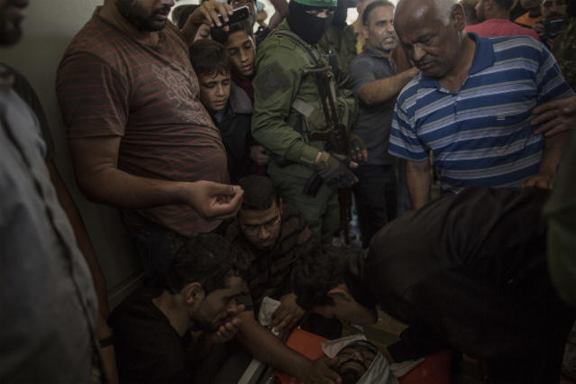 "<p>The funeral of Omar Abu El Fool (30), a Hamas member killed by Israeli troops during the ""Great March of Return"" protests on May 14, 2018. (Photo: Fabio Bucciarelli for Yahoo News) </p>"