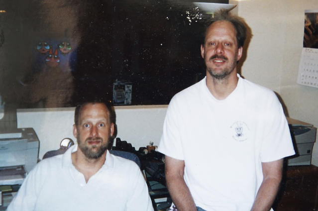 Eric Paddock, left, with his brother, Stephen Craig Paddock. (Photo: John Raoux/AP)