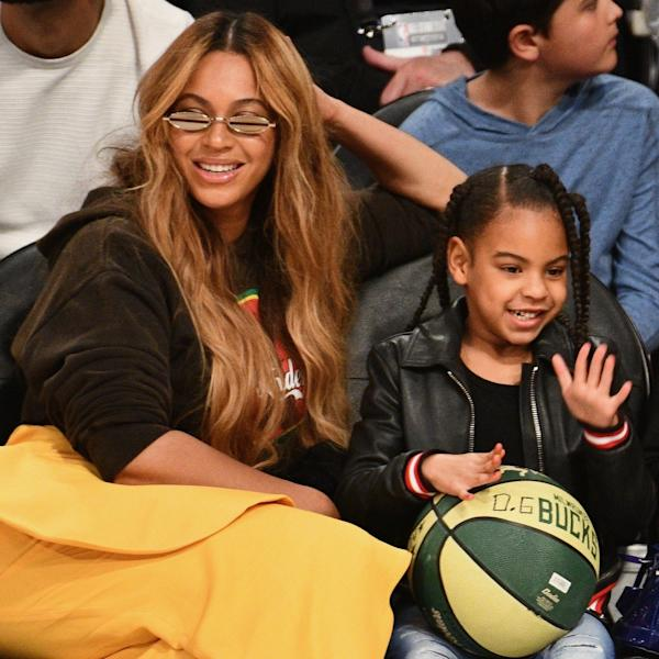 The pop superstar Beyoncé and her daughter made waves courtside at the celebrity basketball tournament.