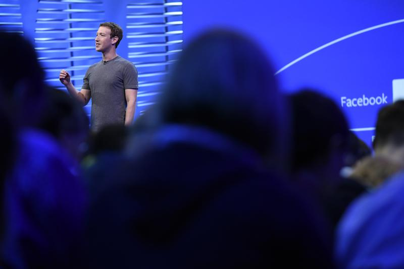 Mark Zuckerberg Promises an Investigation Into Facebook Trending Topics