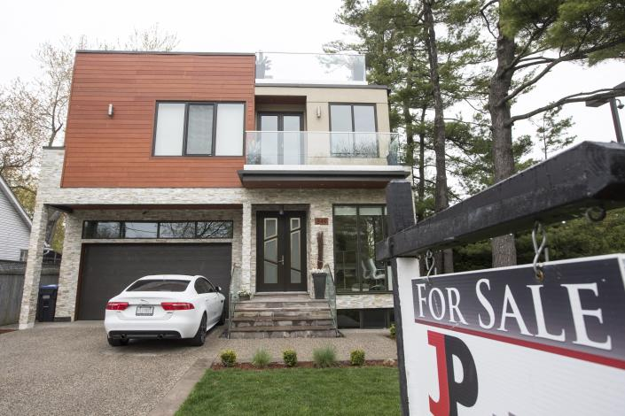 Home sales were stronger in the Greater Toronto Area's suburbs than the city's core (Getty Images)