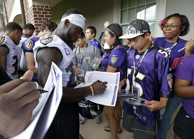 Five years ago, Matt Elam was signing autographs for fans. Wednesday, he was just hoping to catch the eye of one NFL team willing to give him a second chance. (AP)