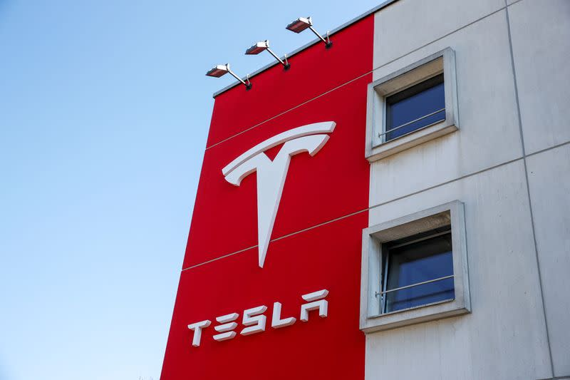 Tesla applies to become UK electricity provider - The Telegraph