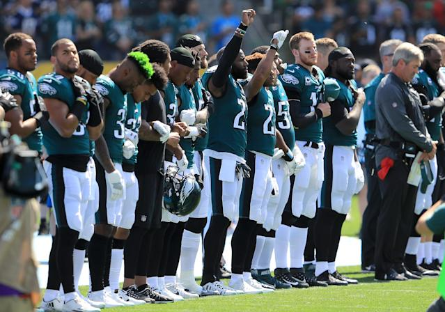 <p>The Philadelphia Eagles are seen during the national anthem at the game against the Los Angeles Chargers at the StubHub Center on October 1, 2017 in Carson, California. (Photo by Sean M. Haffey/Getty Images) </p>