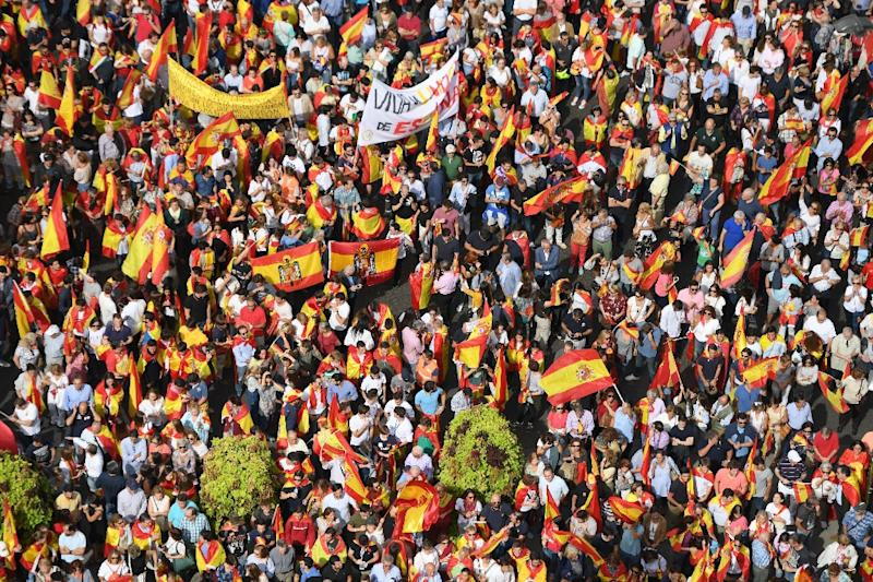 Viva Espana: Thousands took to the streets of the capital Madrid on Saturday in support of Spanish unity (AFP Photo/GABRIEL BOUYS                     )