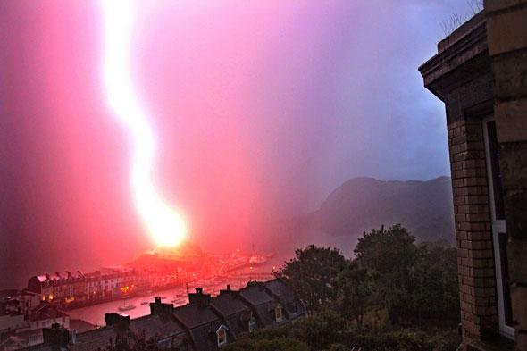 Picture: Ancient chapel lighthouse struck by lightning