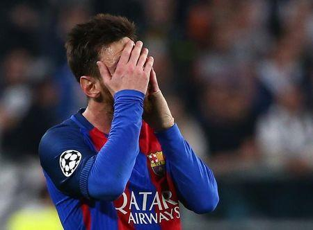 Football Soccer - Juventus v FC Barcelona - UEFA Champions League Quarter Final First Leg - Juventus Stadium, Turin, Italy - 11/4/17 Barcelona's Lionel Messi looks dejected Reuters / Alessandro Bianchi Livepic -