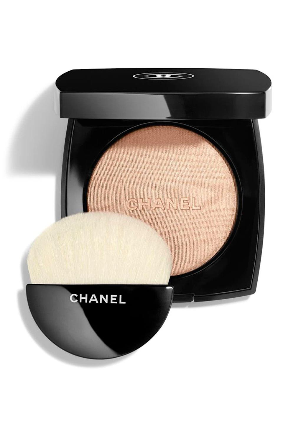"""<p><strong>CHANEL</strong></p><p>nordstrom.com</p><p><strong>$58.00</strong></p><p><a href=""""https://go.redirectingat.com?id=74968X1596630&url=https%3A%2F%2Fwww.nordstrom.com%2Fs%2Fchanel-highlighting-powder-compact%2F4746247&sref=https%3A%2F%2Fwww.townandcountrymag.com%2Fstyle%2Fbeauty-products%2Fg36256297%2Fbest-compact-mirrors%2F"""" rel=""""nofollow noopener"""" target=""""_blank"""" data-ylk=""""slk:Shop Now"""" class=""""link rapid-noclick-resp"""">Shop Now</a></p><p>A quick face-check, but make it Chanel. (Also one of the softest, prettiest highlighters you can use). </p>"""