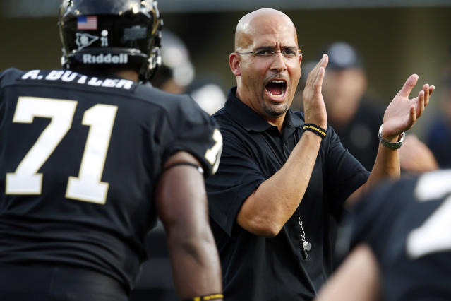Vanderbilt head coach James Franklin claps at his players in the first half of an NCAA college football game against South Carolina, Thursday, Aug. 30, 2012, in Nashville, Tenn. (AP Photo/John Russell)