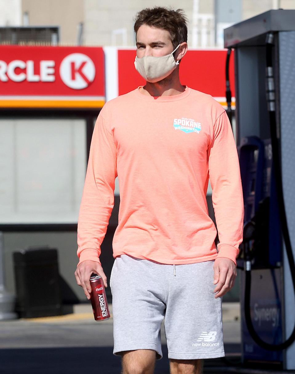 <p><em>The Boys</em> star Chace Crawford grabs a Coke Energy at a Circle K while out in L.A. on Thursday.</p>