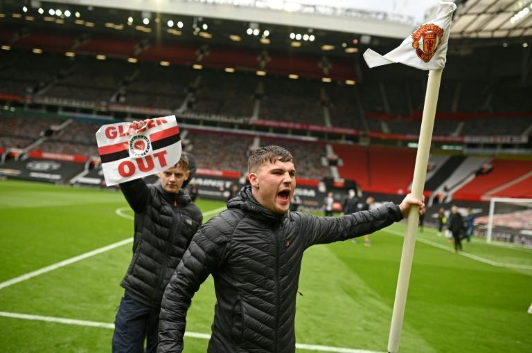 Manchester United fans stormed the Old Trafford pitch to voice their anger at the club's American owners, the Glazer family