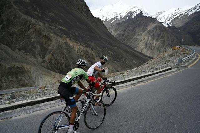 Some 88 cyclists, including two teams from Afghanistan and Sri Lanka as well as solo participants from Spain and Switzerland, took part in Pakistan's Tour de Khunjerab (AFP Photo/AAMIR QURESHI)