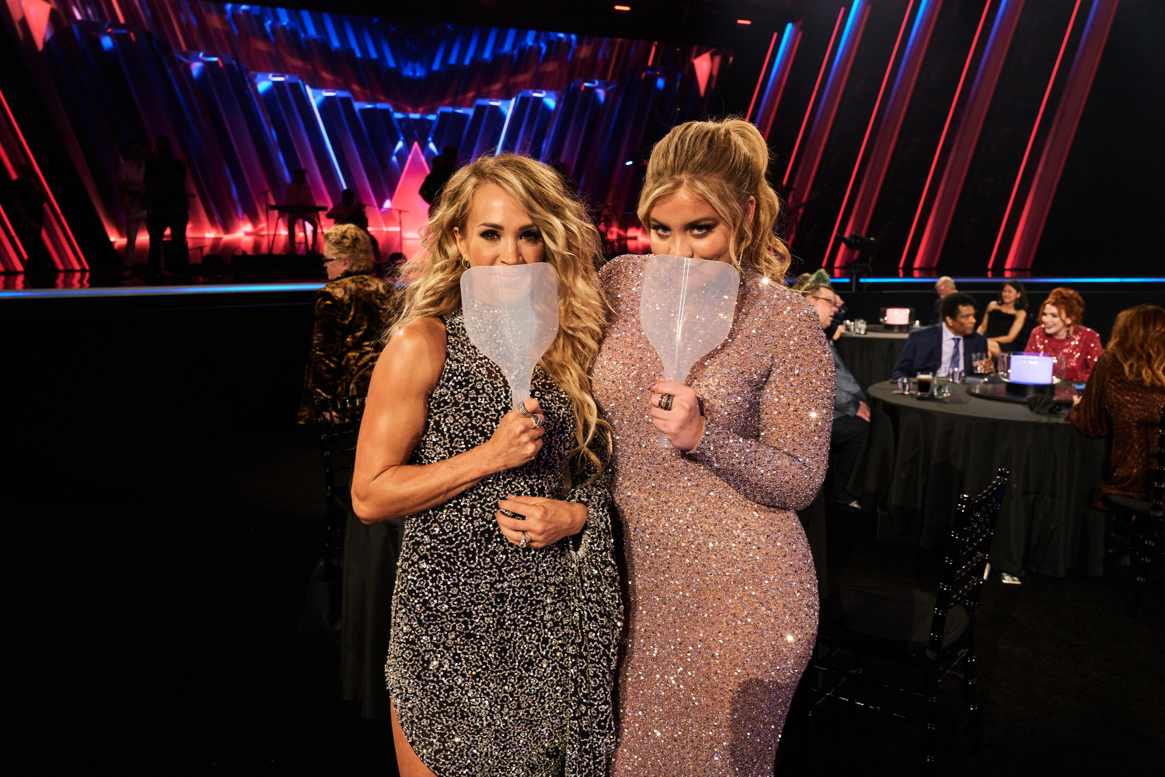 Carrie Underwood and Lauren Alaina attend the the 54th Annual CMA Awards at Nashville's Music City Center on Wednesday, Nov. 11, 2020 in Nashville. (Photo: John Shearer/Getty Images for CMA)