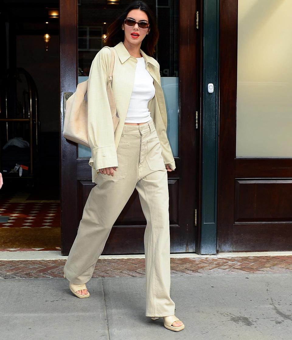 <p>Kendall Jenner steps out in chic neutrals for <em>The Tonight Show Starring Jimmy Fallon</em> on Sept. 14 in N.Y.C.</p>