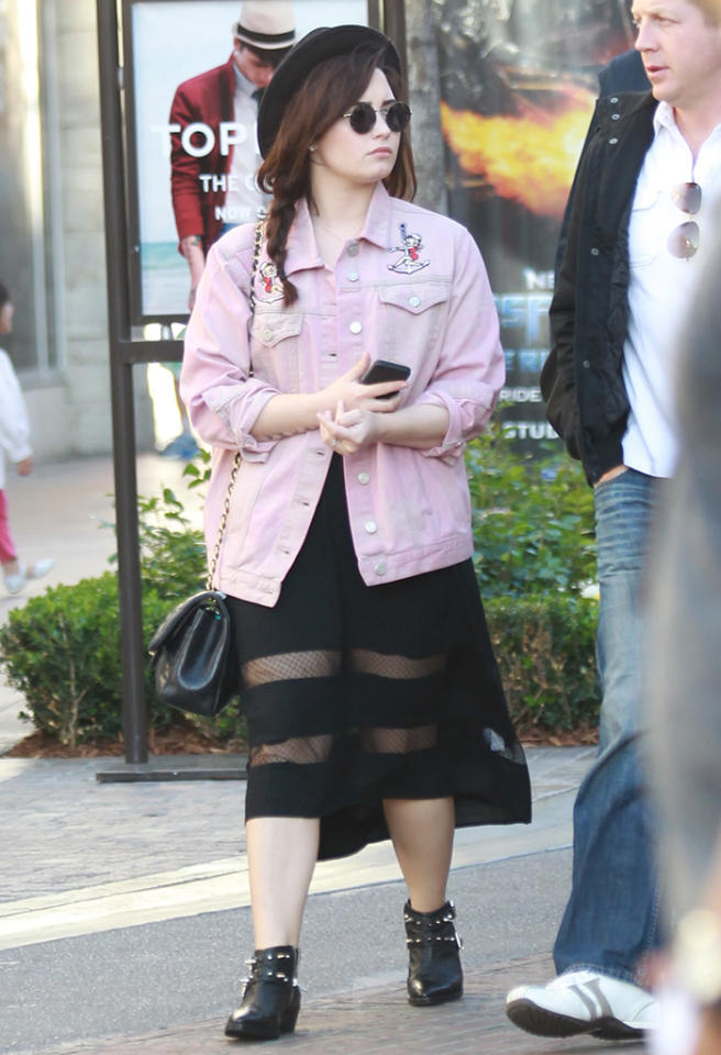 Demi Lovato with friends goes shopping at the Grove in Hollywood, CA. Pictured: Demi Lovato Ref: SPL508566  110313  Picture by: Splash News   Splash News and Pictures Los Angeles:310-821-2666 New York:212-619-2666 London:870-934-2666 photodesk@splashnews.com