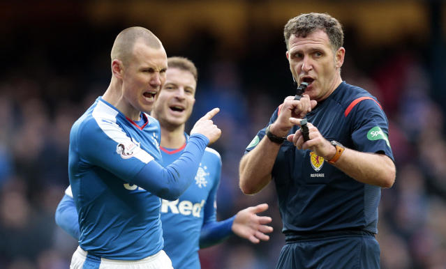 Football Soccer - Rangers v St Mirren - Ladbrokes Scottish Championship - Ibrox - 27/2/16 Rangers' Kenny Miller (L) appeals to referee John McKendrick Mandatory Credit: Action Images / Graham Stuart Livepic EDITORIAL USE ONLY.