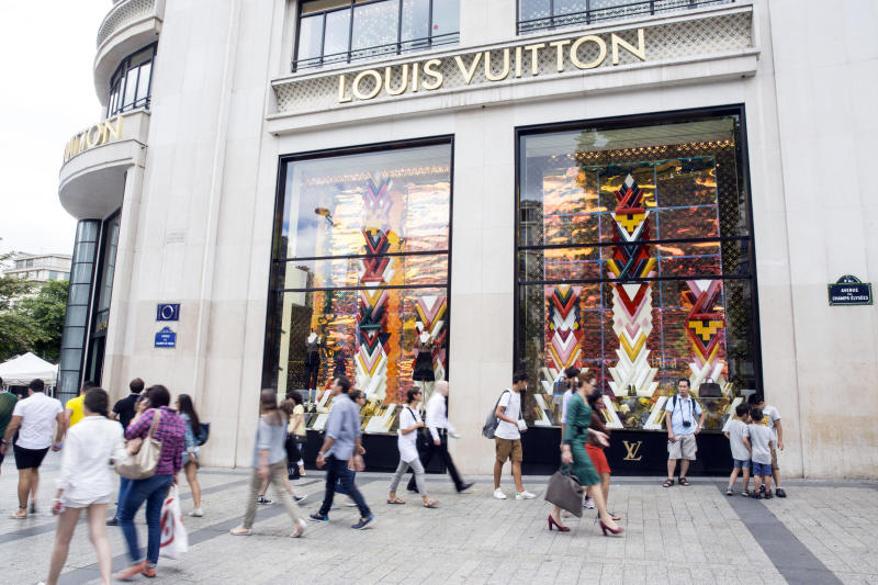 Luxury goods sales seen growing despite uncertainties