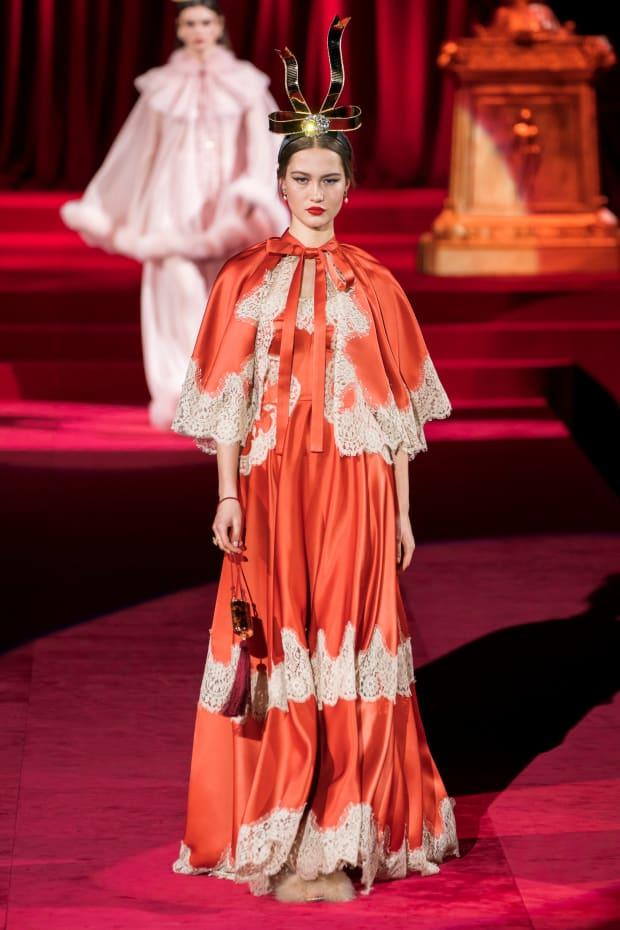 <p>A look from the Dolce & Gabbana Fall 2019 collection. Photo: Imaxtree</p>