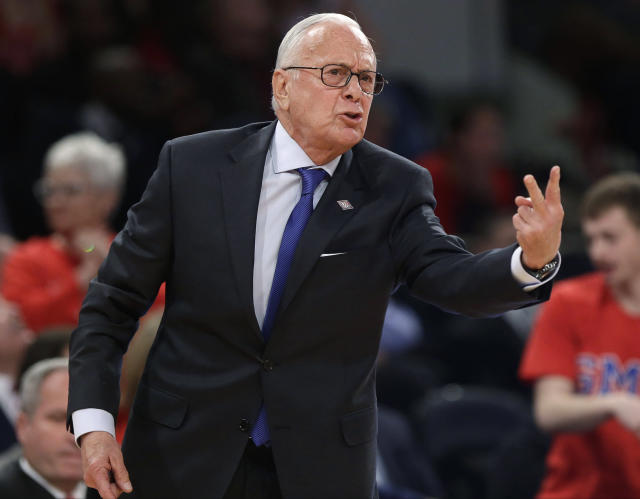 SMU coach Larry Brown reacts to a call during the second half of an NCAA college basketball game against Minnesota in the final of the NIT on Thursday, April 3, 2014, in New York. Minnesota won the game 65-63. (AP Photo/Frank Franklin II)