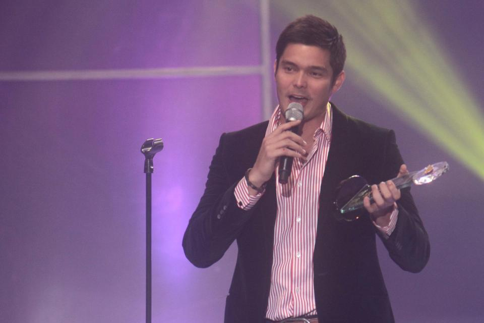 """Dingdong Dantes accepts his Best Award for """"One More Try"""""""