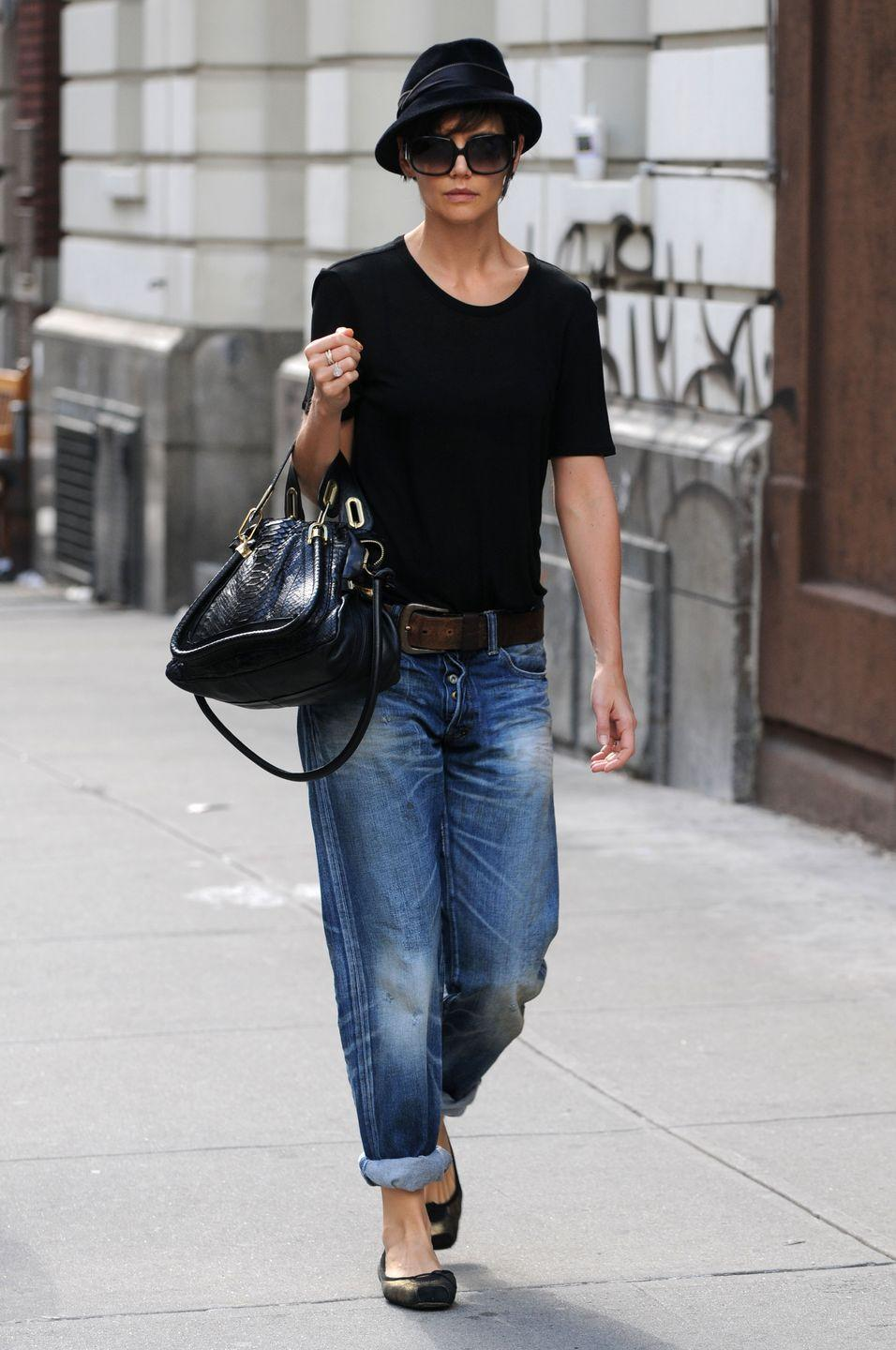 <p>And not like slightly boyish jeans made for women, but actual dude jeans taken from your boyfriend. I wonder if Katie Holmes got these in the divorce. </p>