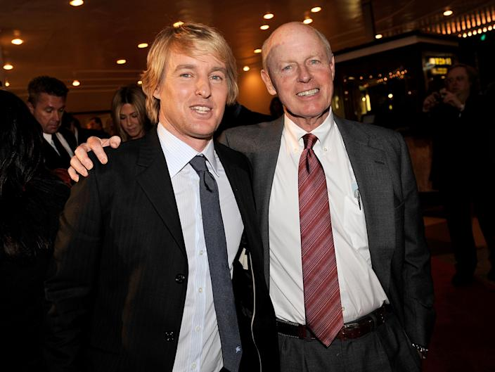 """WESTWOOD, CA - DECEMBER 11:  Actor Owen Wilson (L) and his father Robert arrive at the premiere of 20th Century Fox's """"Marley & Me"""" held at the Mann Village Theater on December 11, 2008 in Westwood, California.  (Photo by Kevin Winter/Getty Images)"""