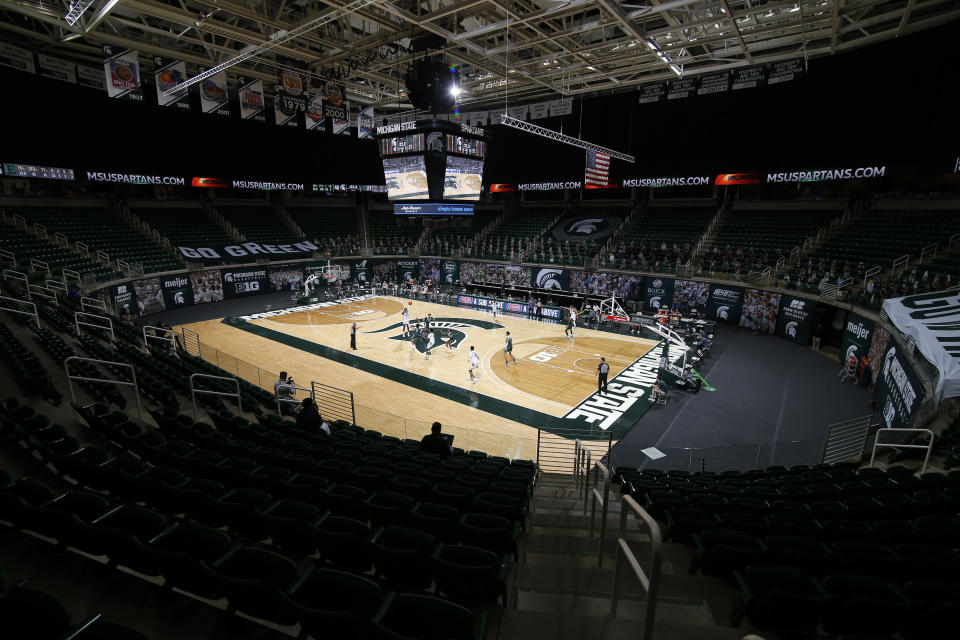 Michigan State and Eastern Michigan play during the first half of an NCAA college basketball game Wednesday, Nov. 25, 2020, in East Lansing, Mich. Michigan State won 83-67. (AP Photo/Al Goldis)