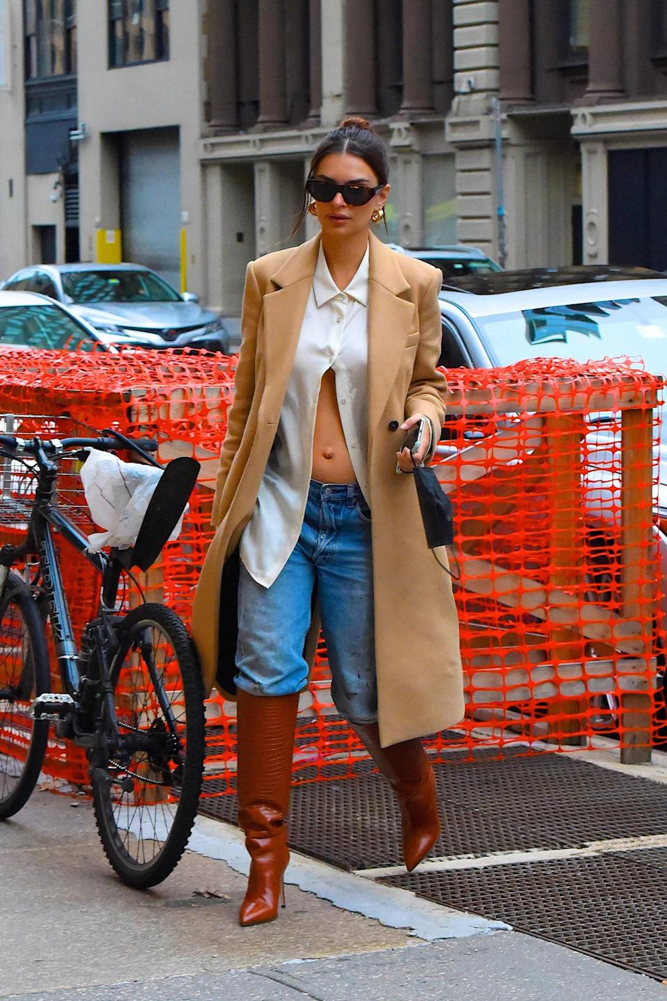 """<h1 class=""""title"""">Celebrity Sightings in New York City - October 27, 2020</h1><cite class=""""credit"""">Robert Kamau</cite>"""