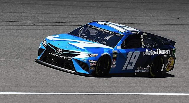 The Joe Gibbs Racing No. 19 Toyota of Martin Truex Jr. failed pre-qualifying inspection twice at Michigan International Speedway, resulting in the ejection of a crew member. RELATED: Full schedule for Michigan The violation came just before Saturday's Busch Pole Qualifying for Monday's FireKeepers Casino 400 (5 p.m. ET, FS1, MRN, SiriusXM) at the 2-mile […]