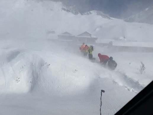 Climbers await rescue after an avalanche hit in Deurali: CAPT. ANANDA THAPA/via REUTERS