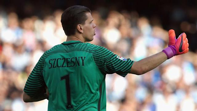 ​​Juventus are torn between two possible goalkeepers to sign as back up to Wojciech Szczesny when the Pole replaces Gianluigi Buffon as first choice next season. Buffon is expected to retire from football at the end of the season after an incredible 23-year career, and former ​Arsenal keeper Szczesny has done enough in his occasional appearances to be given the chance of replacing him next year. ​Football Italia reports that the two keepers being considered are Lazio's Federico Marchetti and...